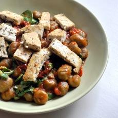 Olive tofu & tomato sauce over spirulina Gnocchi